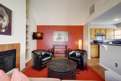 Great Place to stay AustinStays 2 Bedroom Downtown Suite near Austin