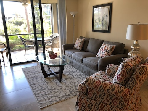Beautiful 1st Floor Condo in Bonita Bay