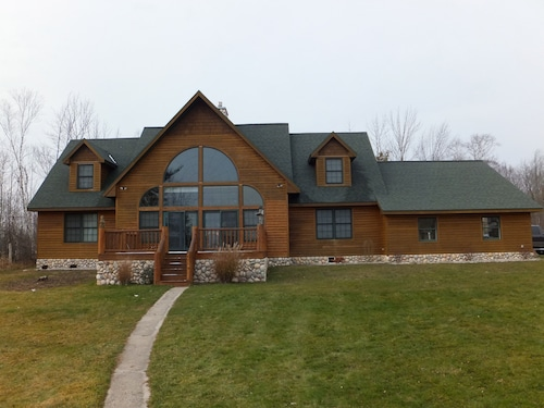 4br/3ba All Year Family Retreat! Sleeps up to 17