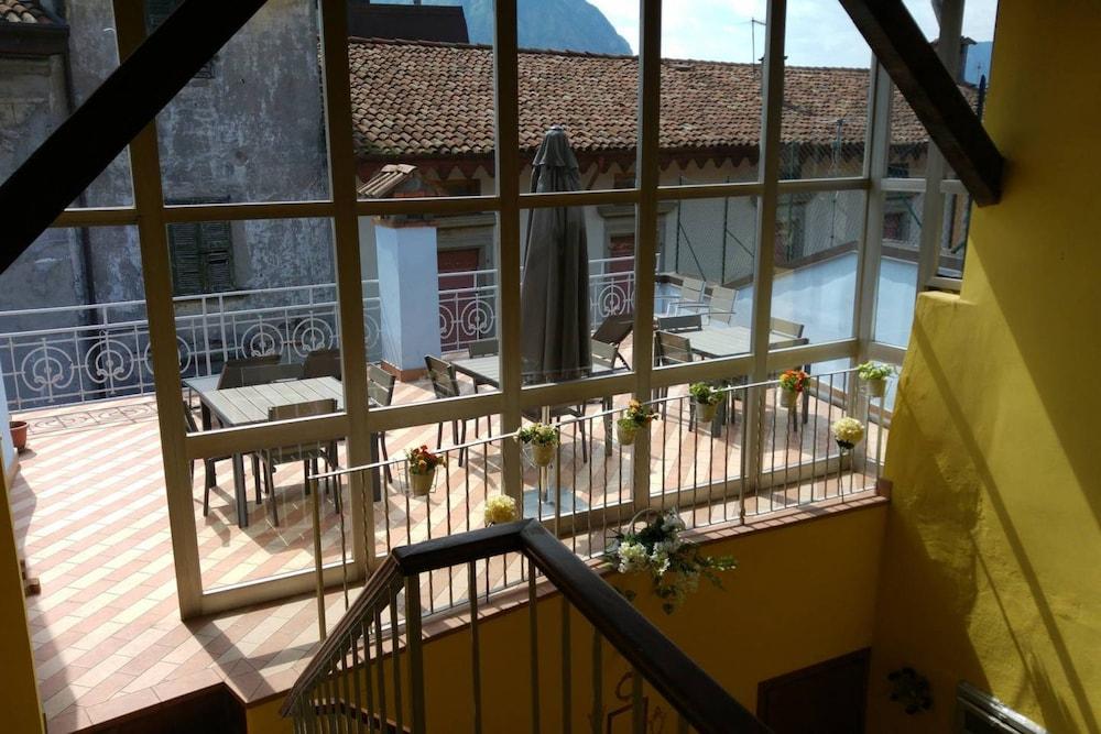 Feel At Home La Terrazza Sul Borgo In Lovere Hotel Rates