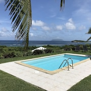 Beautiful sea View Villa With Private Pool and Direct Access to the Beach