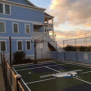 Inside Cape Hatteras Nat'l Seashore, Steps From Beach With Personal Sport Court