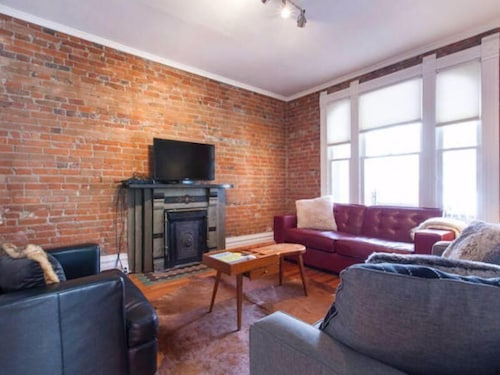 Great Place to stay Amazing House! Downtown Art District Sleeps 15! near Denver