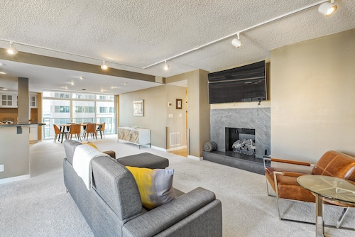Great Place to stay Open Modern Layout Breathtaking Downtown Views! near Denver