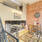 Downtown/five Points Sleeps 4!