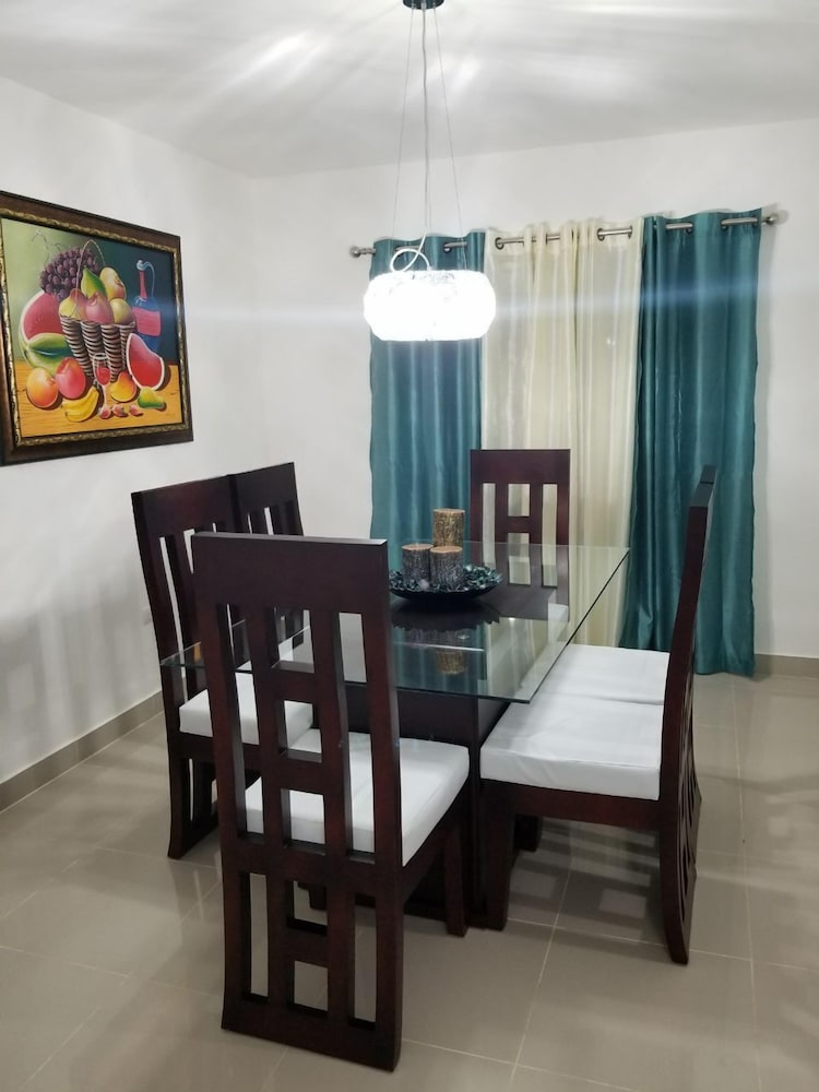 In-Room Dining, NEW WONDERFUL APART WITH POOL