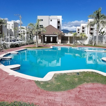 NEW WONDERFUL APART WITH POOL
