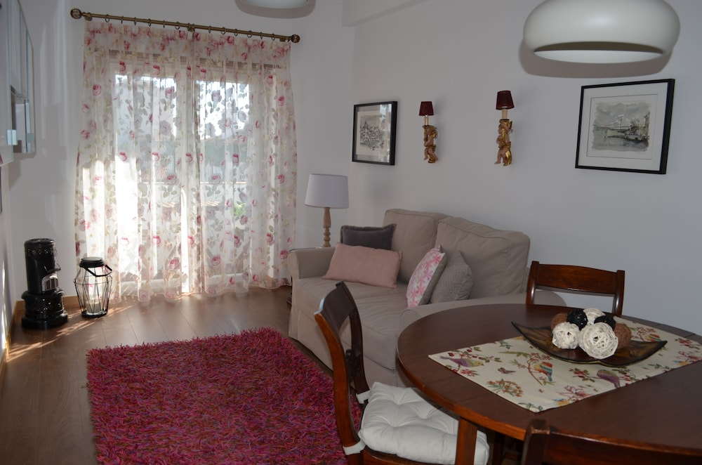 Living Room, Seven Guest House, a Departing Point to Visit Lisbon and Sintra