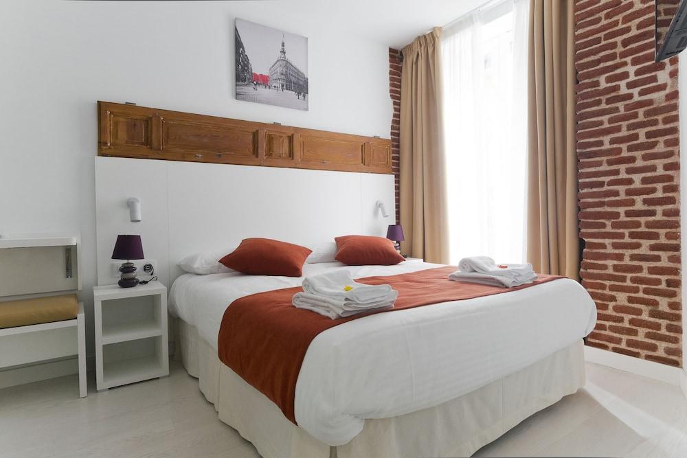 Hostal royal cruz in madrid hotel rates reviews on orbitz