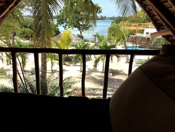 Merry Crab Cove Beach Resort