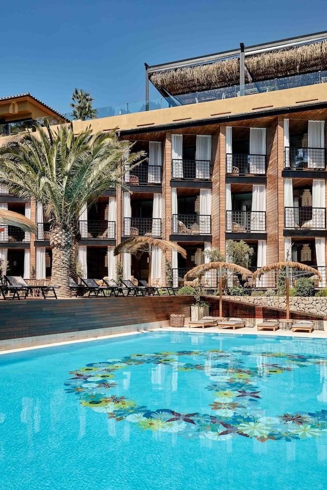 bikini island mountain hotel port de s ller soller. Black Bedroom Furniture Sets. Home Design Ideas