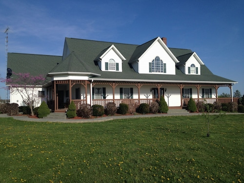 Great Place to stay Grabers Green Gables B&B near Odon