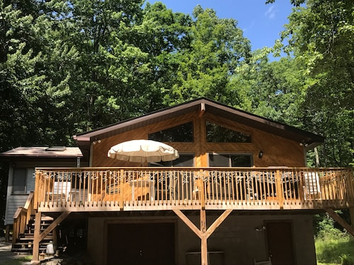 Lake House on Lake Wallenpaupack,boat Dock Included,home has Wifi 3 Bdrms 2bs