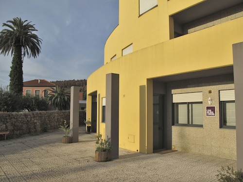 Casa da Vila Cerveira is an Apartment, Located 100 Meters From the Center