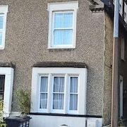 3 Bedroom House With Garden in Ware