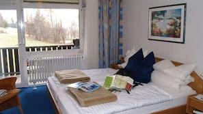 Minibar, Schreibtisch, kostenloses WLAN, Bettwäsche