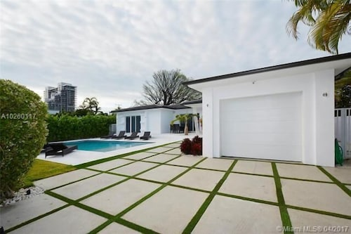 Villa Paige - Miami Beach Villa 4 Bedrooms 4 Bathrooms Villa