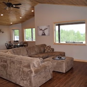 Grey Wind Ranch 3 Bedrooms 2 Bathrooms Cabin
