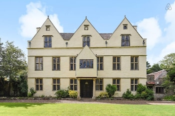 Outstanding Manor House close to Bristol/Bath