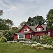 Woods Hole Passage Bed & Breakfast Inn