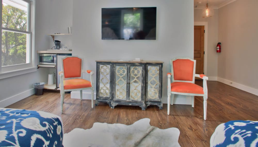 Exceptionnel Porch Guestroom Guestroom ...