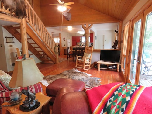 Spacious Home Along North Fork Of Salmon River, Great Mountain Views