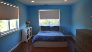 4 bedrooms, iron/ironing board, free WiFi, linens