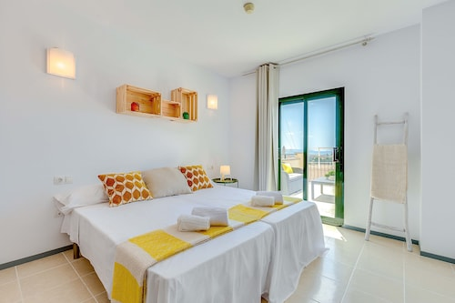 Renovated Apartment With Private Terrace and sea Views - 201