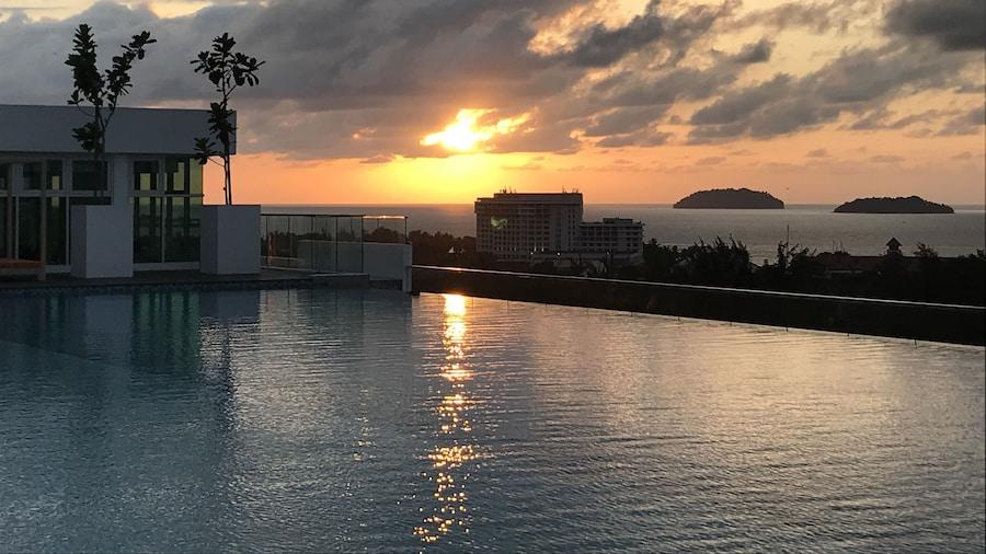 無限大道日落海景假日公寓式客房酒店