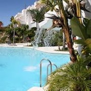 Apartment With 3 Bedrooms in Estepona, With Wonderful Mountain View, Pool Access, Furnished Garden - 5 km From the Beach