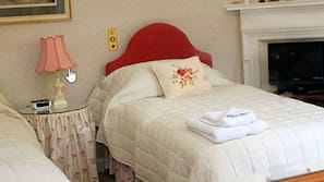 1 bedroom, iron/ironing board, free wired Internet, bed sheets