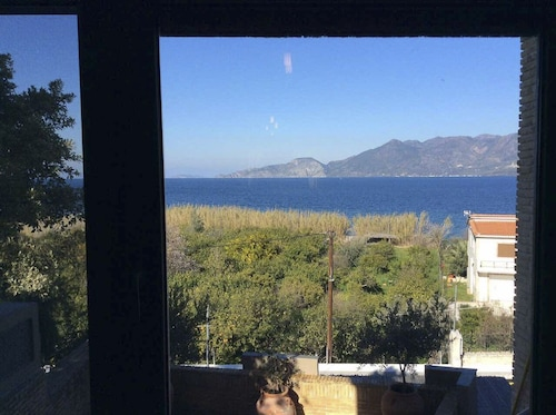 Sea View Maisonette Trizinia