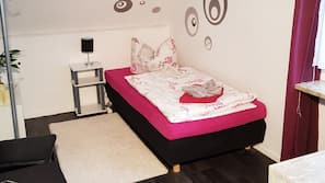 Hochwertige Bettwaren, Daunenbettdecken, Zimmersafe, kostenloses WLAN