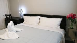8 bedrooms, desk, free WiFi