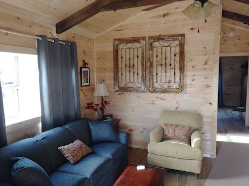 Moore Rd. Cabin # 1 Less Than 2 Miles From Tryon International Equestrian Center