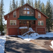 'beacon Lake House' Large Lakefront Family Home & Room for Everyone!