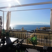 Beautiful House for 4/6 People Close to sea View With Wifi and Swimming Pool