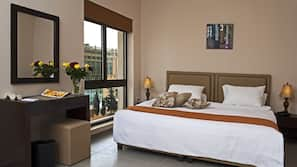 1 bedroom, Egyptian cotton sheets, premium bedding, pillow-top beds