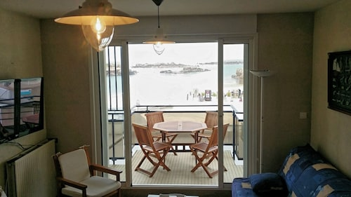 New: Apartment 4-5 Pers on the Beach, Sea View