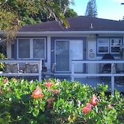 Quaint Haleiwa House - Close to Everything Beach, Shops, Restaurants