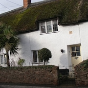 Unique, Cosy Holiday Thatched Cottage, Over 400 Years Old, Grade II Listed