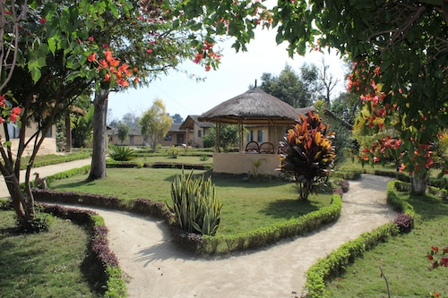 Tikapur Tourism: Explore Tikapur with Expedia  Bundle Flights