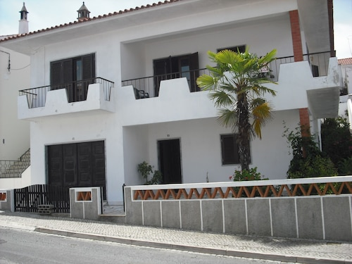 Villa r / c and 1st Floor With Accommodation for up to 6 People