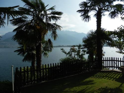 Luxurious Apartment With Private Beach on Lake Maggiore