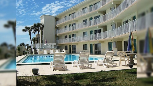 Aqua Villa 302 -steps Away From the Beach! PET Friendly