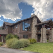 Luxe Home in Big Sky Town Center - Walk to Restaurants, Shops & Events