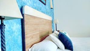 Minibar, caja fuerte, escritorio y cortinas opacas