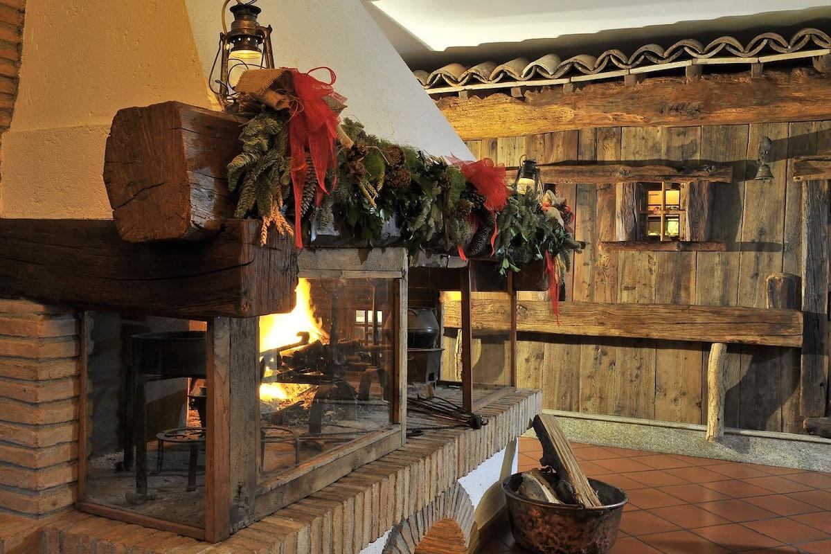 Hotel Milleluci Aosta Italia Expedia It