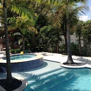 Private 4 Bedroom Pool Home 500 Yards From Beautiful Beach!!