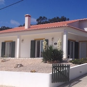 Fabulous Location With sea Views. Modern, Secluded, Family Friendly Villa